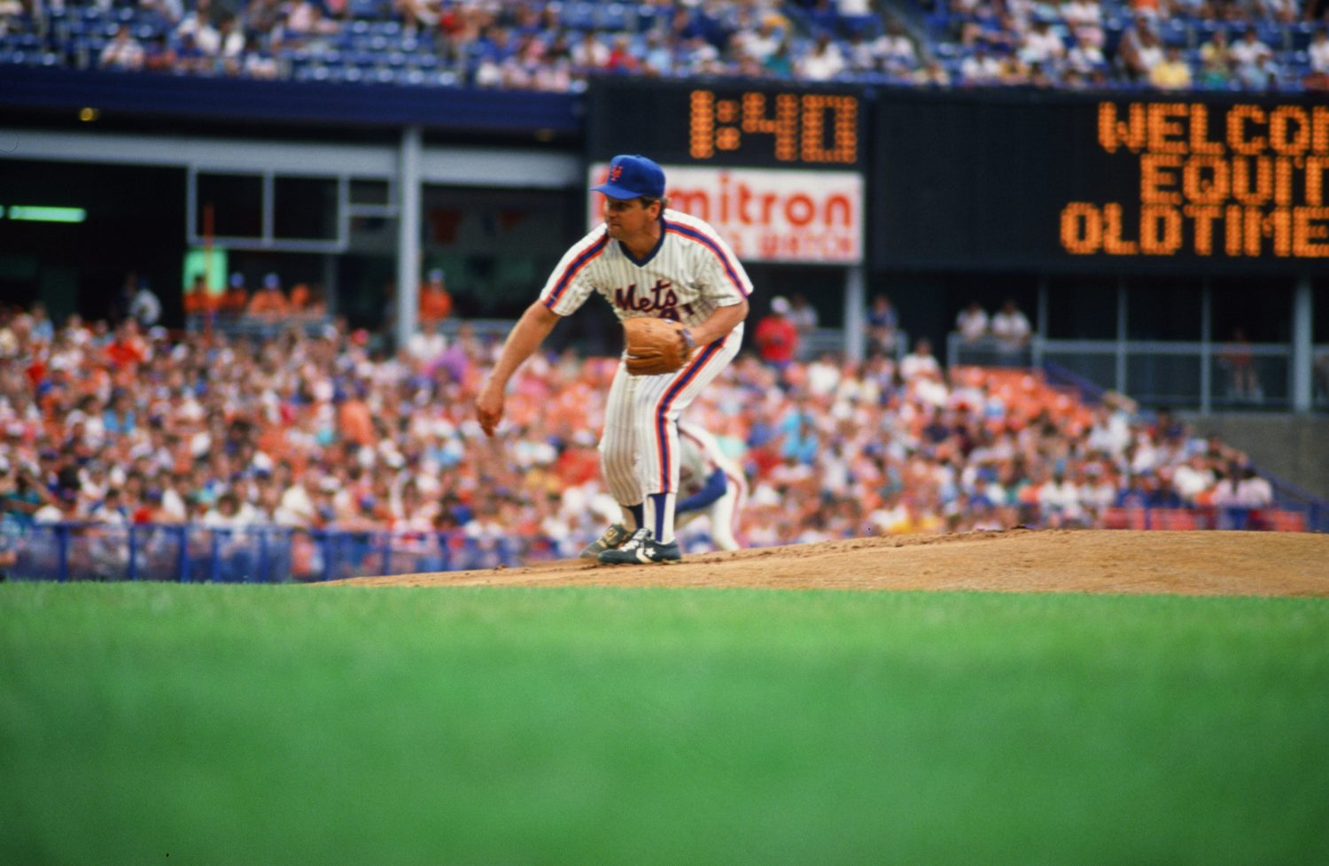 Tom Seaver Throws Pitch at Old-Timers Day