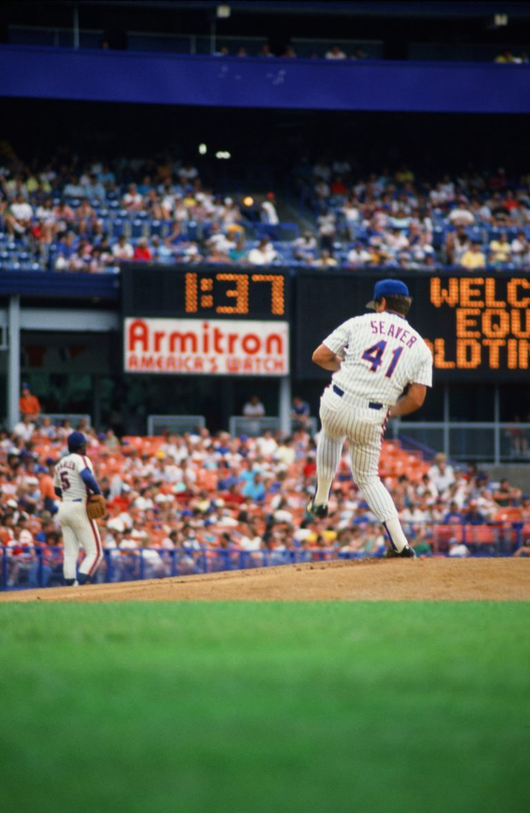Tom Seaver Winds Up on Old-Timers Day at Shea