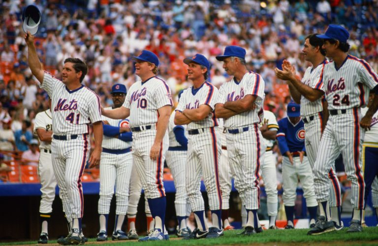 Tom Seaver Salutes Fans at Old-Timers Day