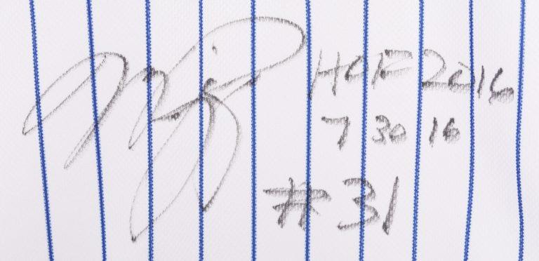Mike Piazza Autographed Retirement Jersey - Autograph Detail