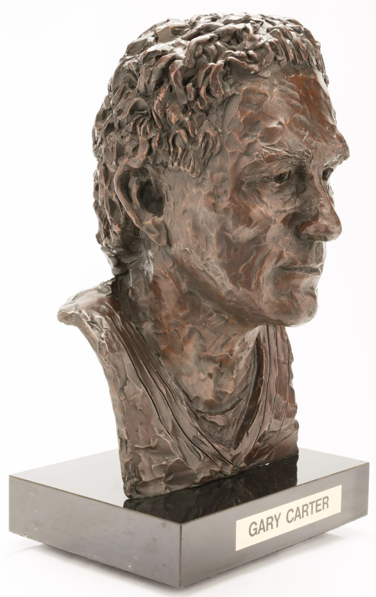 Gary Carter Mets Hall-of-Fame Bust