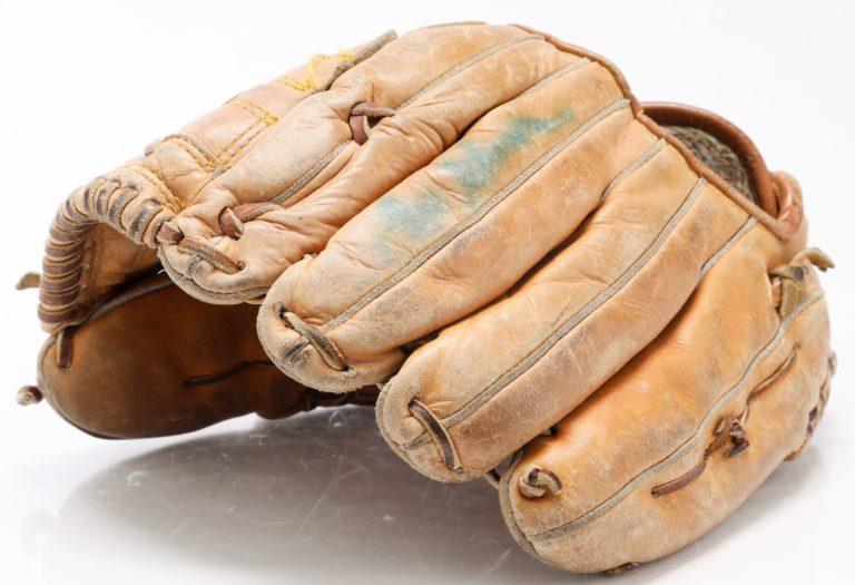 Tom Seaver Autographed Glove