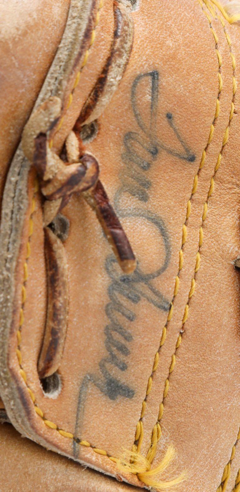 Tom Seaver Autographed Glove - Autograph Detail