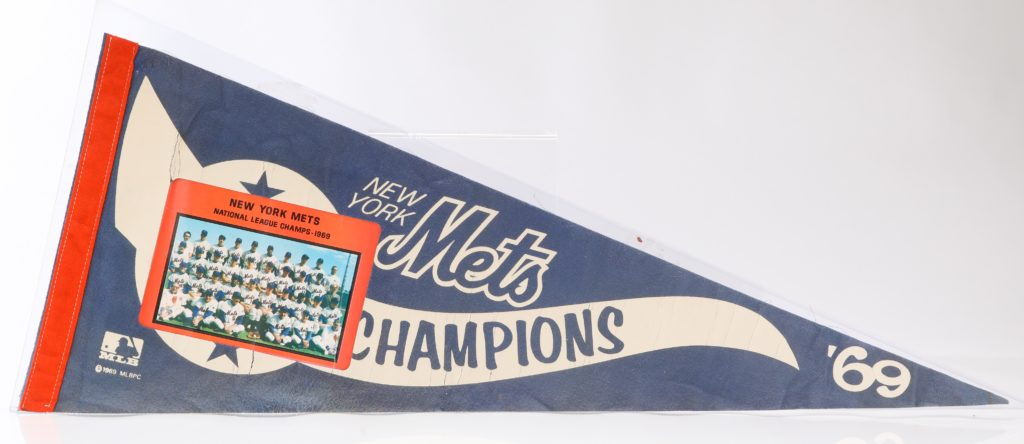 '69 METS ROSTER ON WORLD CHAMPION PENNANT