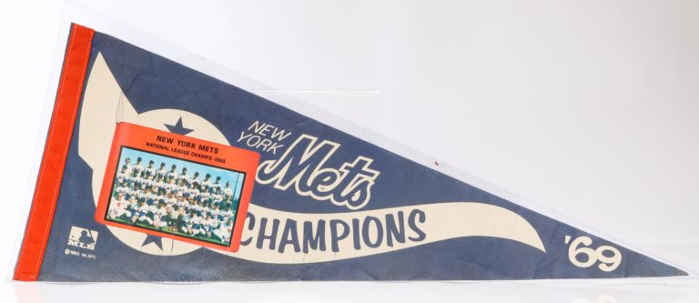 New York Mets 1969 World Champion Pennant with Photo of Team
