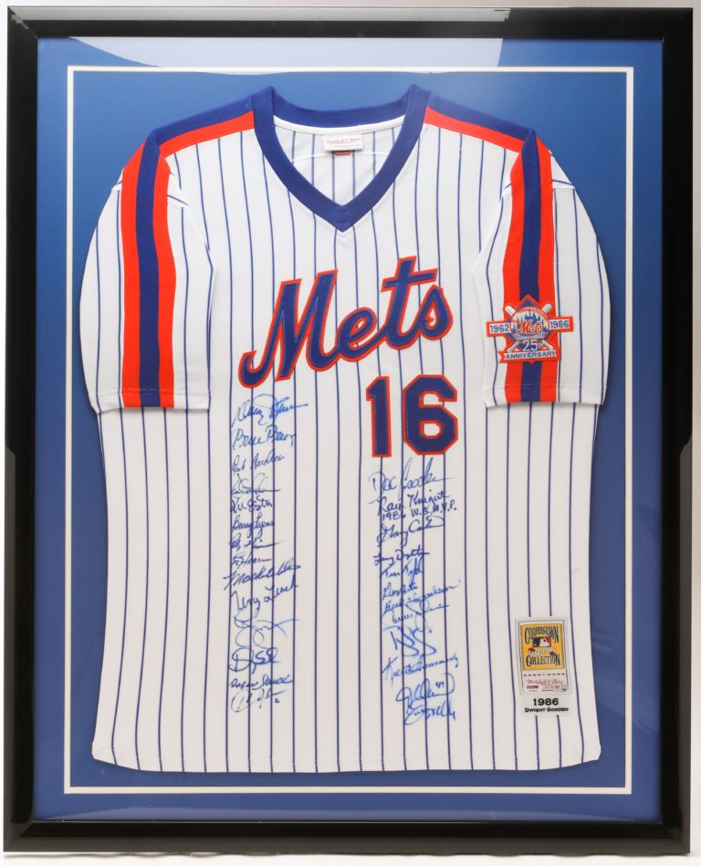 Dwight Gooden Jersey Signed by 1986 World Series Team