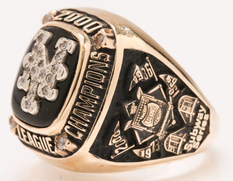 2000 NLCS Ring for Lorraine Hamilton