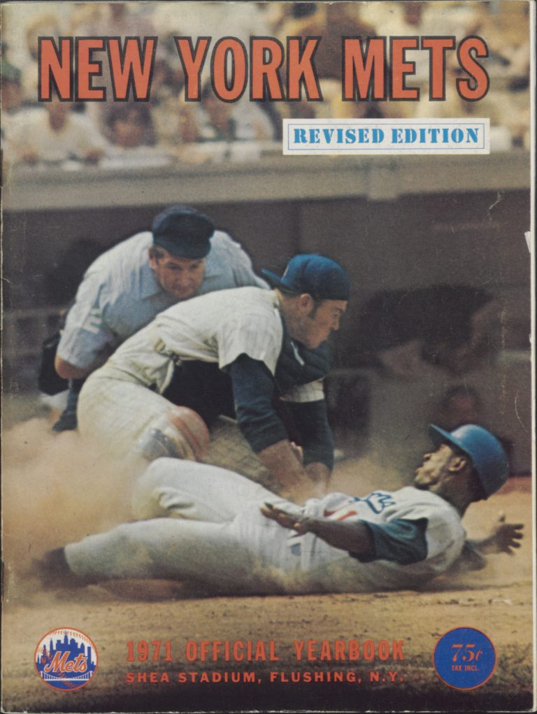1971 Mets Yearbook: Grote Tags Out Mota