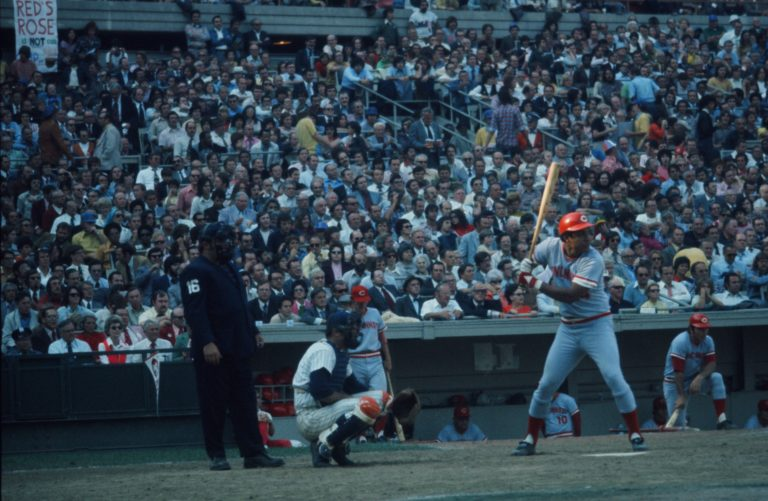 Mets Fans Call Out Pete Rose