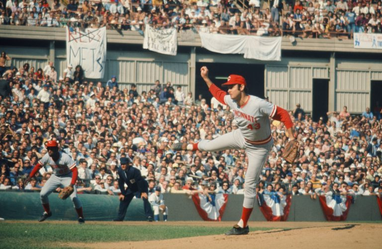 Mets Fans Support Team in 1973 NLCS As Jack Billingham Pitches for Reds