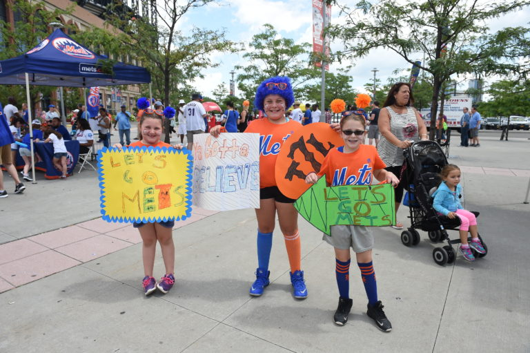 Young Fans Root for the New York Mets in 2016