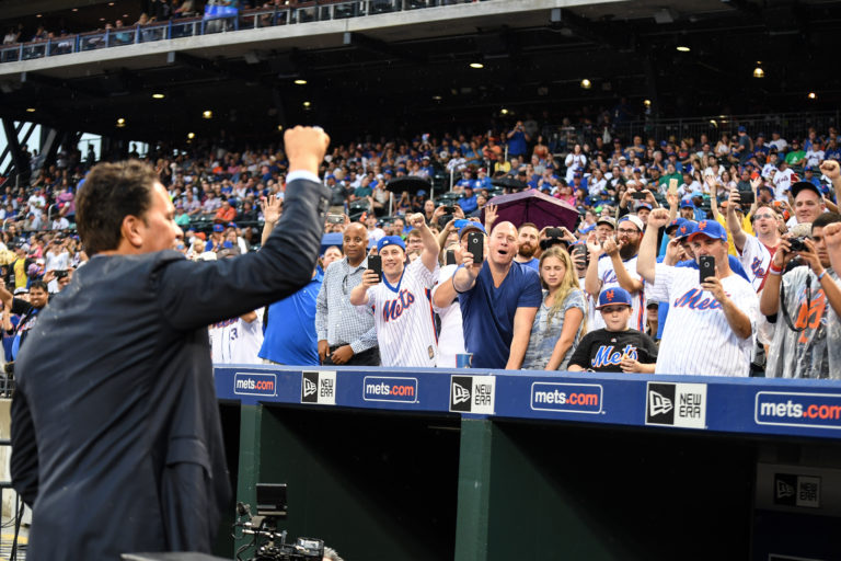 Piazza Gets Standing Ovation at Number Retirement