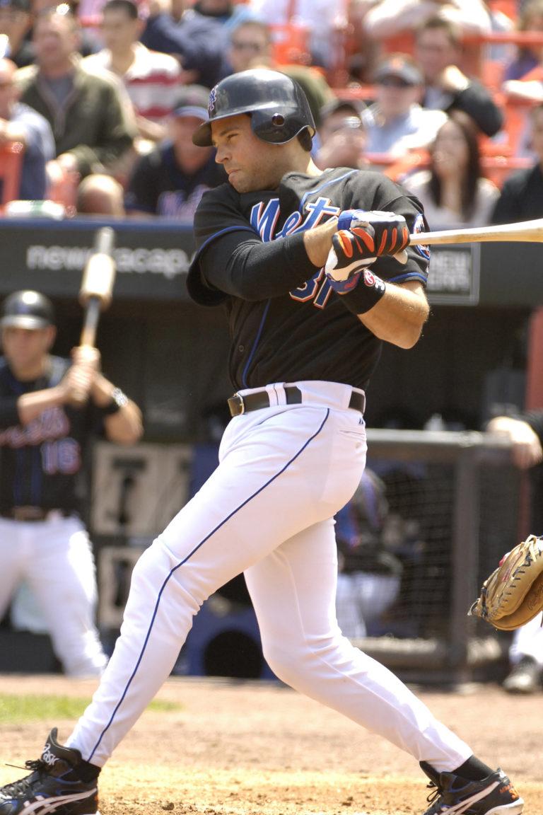 Mike Piazza Bats Against the Philadelphia Phillies
