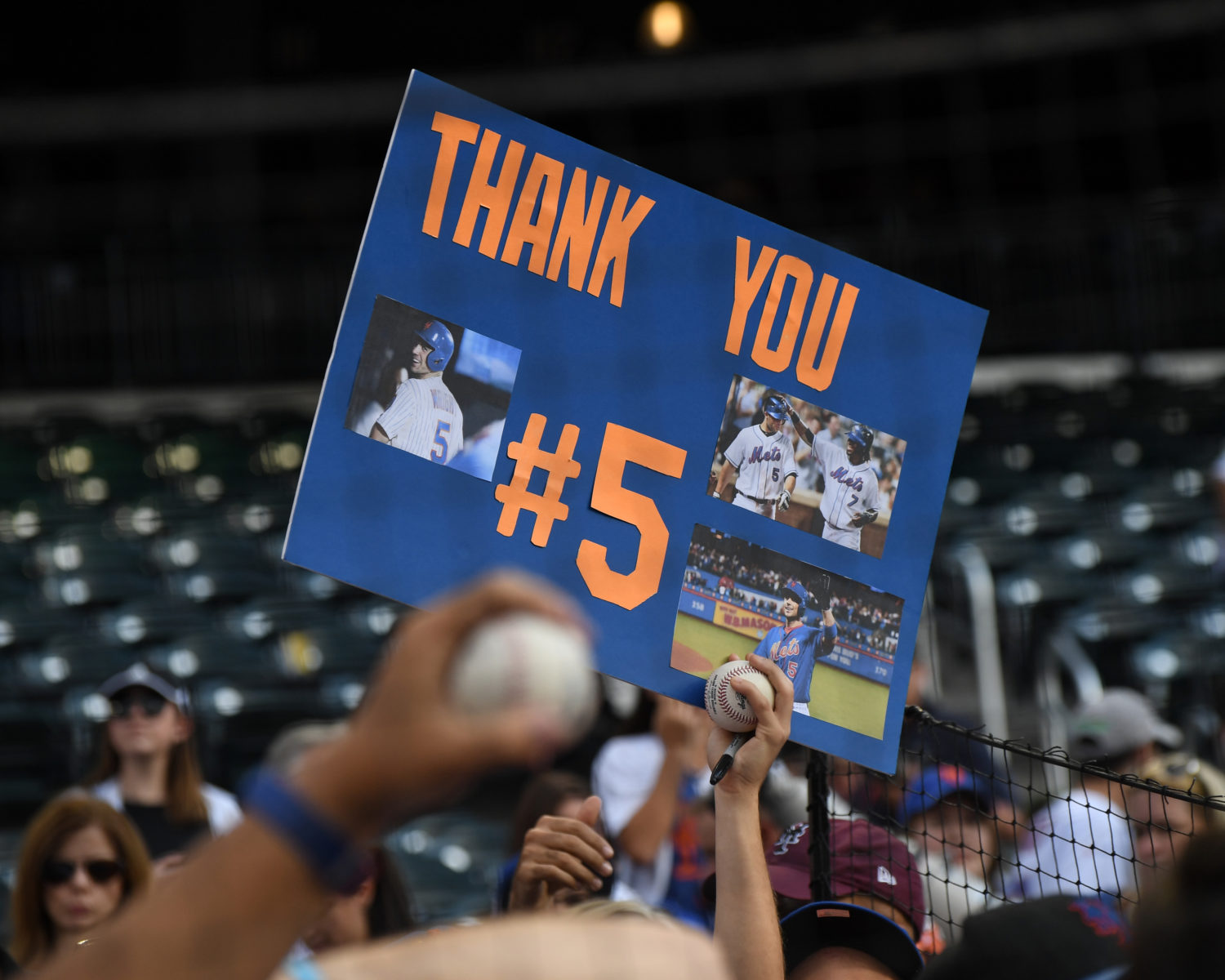 Fans Celebrate David Wright in Final Outing