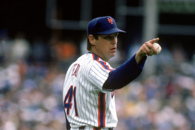 Tom Seaver Points to the Outfield Before Pitching