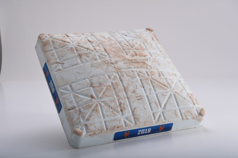 Third Base When Pete Alonso Tied Aaron Judge Rookie Home Run Record