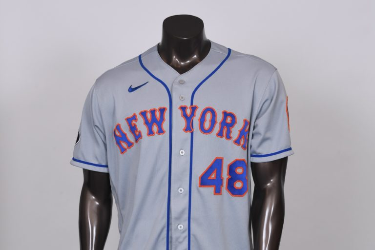 Jacob deGrom Jersey with Tom Seaver Patch
